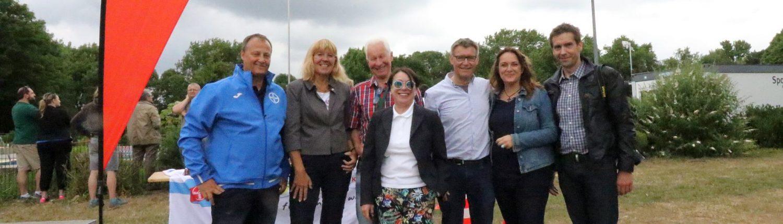 v.l.: Jörg Heydel (SC Bayer 05 Uerdingen), Gisela Klaer (Bürgermeisterin), Dieter Hofmann (Vorsitzender SSB Krefeld), Jutta Zimmermann (Vorsitzende Sportjugend Krefeld), Thomas Presch (Schulamt), Michaela Rausch (Sparkasse Krefeld), Jens Sattler (SSB Krefeld)